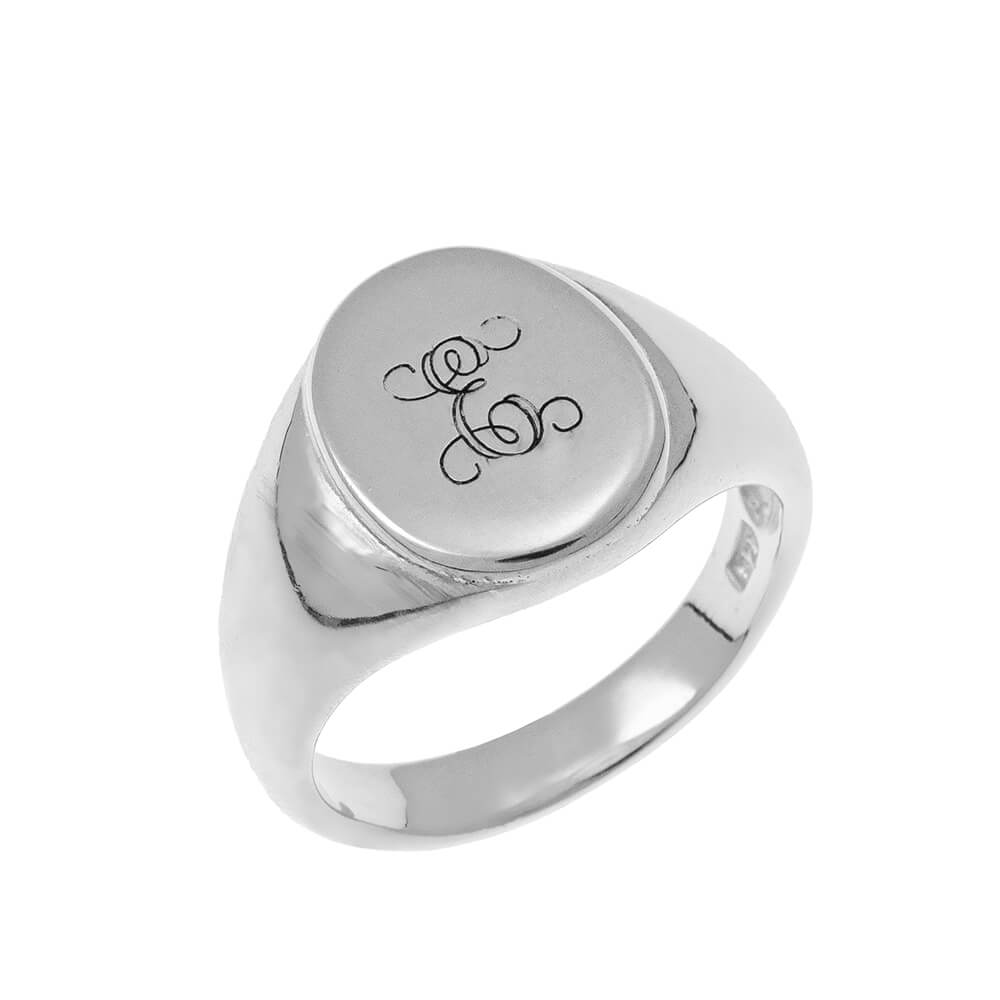Oval Signet Bague with Monogram silver
